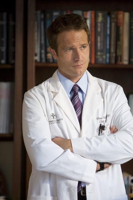 Michael Vartan nel pilot della serie TV Hawthorne