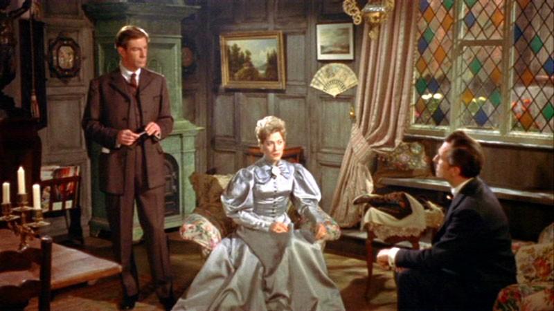 Peter Cushing con Melissa Stribling e Michael Gough in una scena del film Dracula, il vampiro