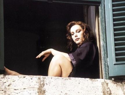 Stefania Sandrelli in una scena de Il morso del serpente