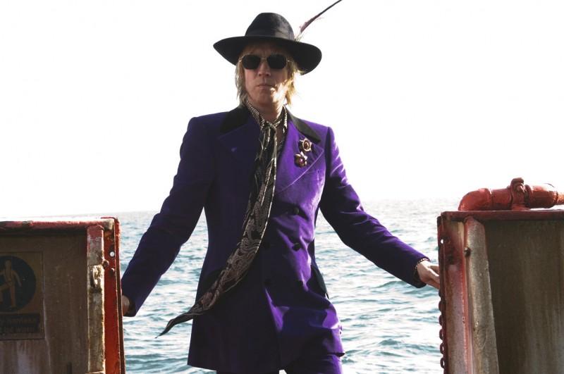 Rhys Ifans è tra i protagonisti del film I Love Radio Rock
