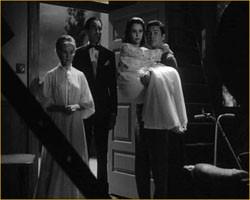 Susan Strasberg con Ronald Lewis e Ann Todd in una scena del film La casa del terrore