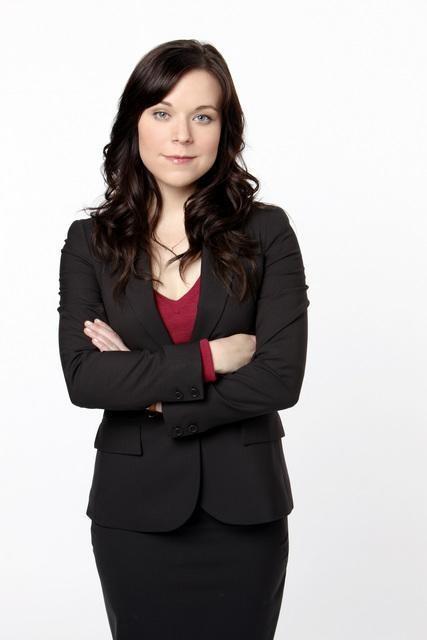 Tina Majorino in una foto promozionale della serie The Deep End