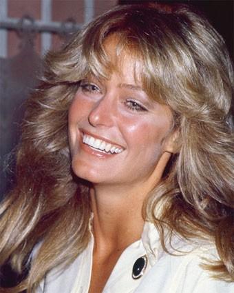 una sorridente Farrah Fawcett