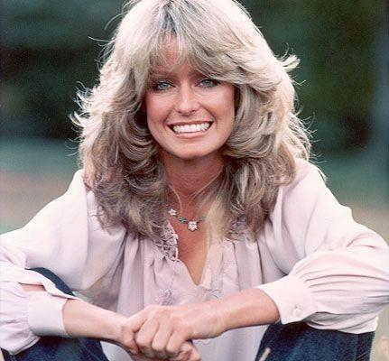 una sorridente Farrah Fawcett negli anni '70