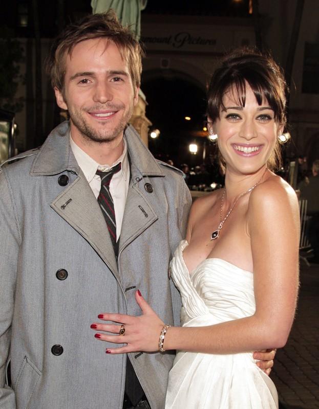 Michael Stahl-David e Lizzy Caplan alla premiere del film Cloverfield