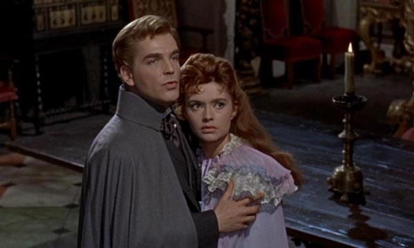 David Peel e Yvonne Monlaur in una scena del film Le spose di Dracula