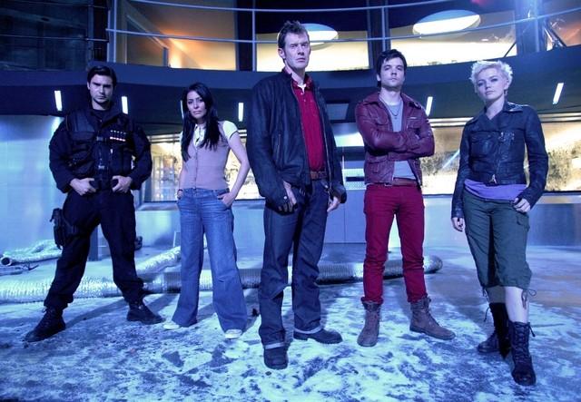 Il cast di Primeval in una foto promozionale della serie