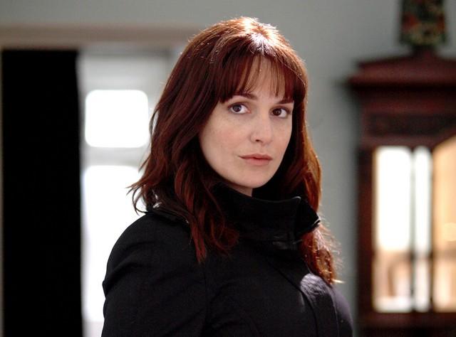Lucy Brown nell'episodio 2 della stagione 3 di Primeval