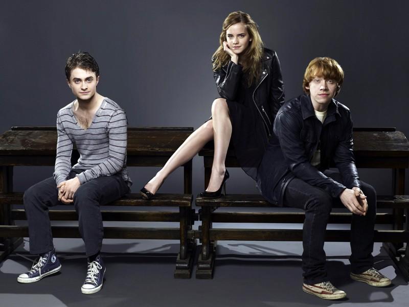 Rupert Grint, Emma Watson e Daniel Radcliffe in una foto promo per Harry Potter e il principe mezzosangue
