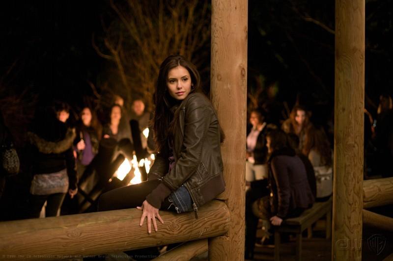 Una scena del Pilot di The Vampire Diaries con Nina Dobrev