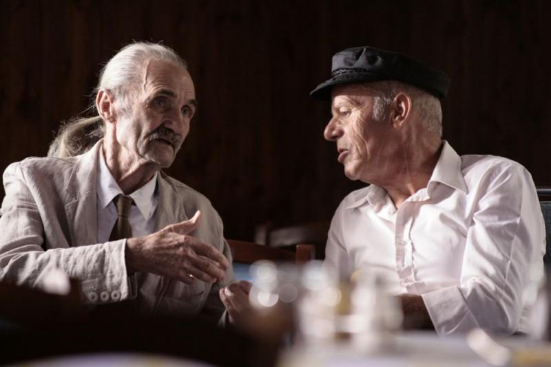 Carlo Rivolta da Vanzaghello in una scena del film Tre lire - Primo giorno