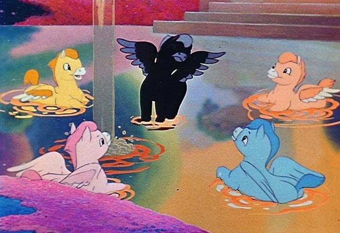 I cavalli volanti che fanno il bagno sulle note della pastorale nel film fantasia 120944 - Bambolotti che fanno il bagno ...