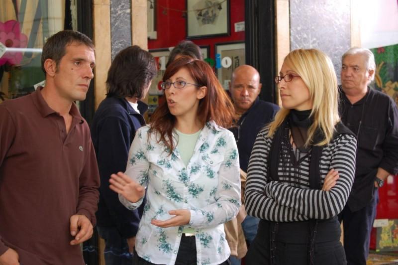 Le registe Barbara e Monica Sgambellone sul set del film Tutti intorno a Linda