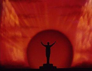 Leopold Stokowski in una scena dell\'episodio Toccata e fuga in Re minore nel film Fantasia