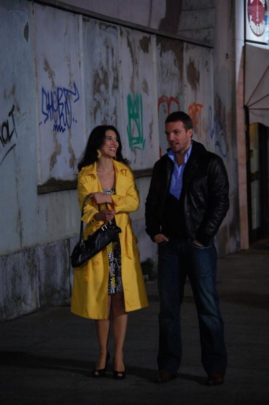 Maria Victoria Di Pace e Danilo Brugia in un'immagine del film Tutti intorno a Linda