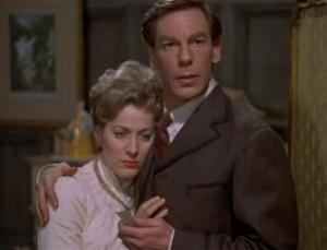 Michael Gough e Melissa Stribling in una sequenza del film Dracula il vampiro