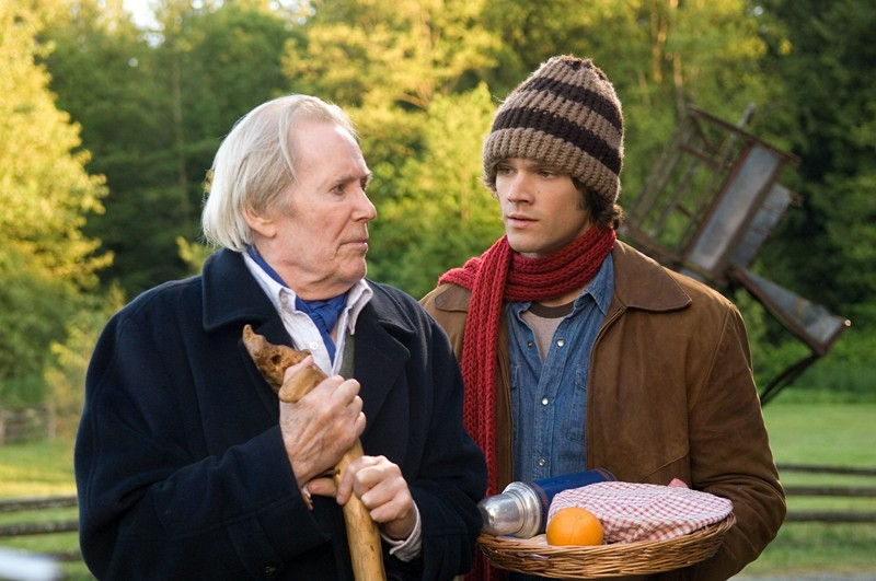 Peter O'Toole con Jared Padalecki nel film 'The Christmas Cottage'