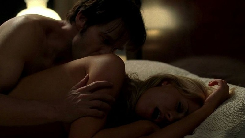 Stephen Moyer e Anna Paquin nella sensuale scena di sesso dell'episodio 'Nothing But The Blood' di True Blood