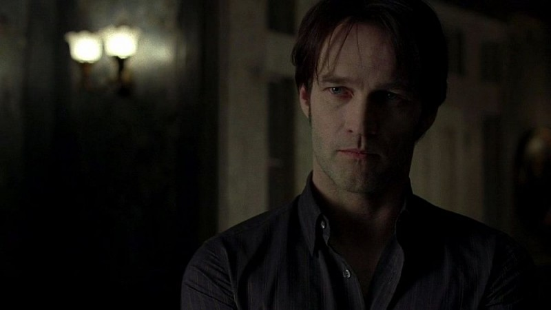 Stephen Moyer in una scena dell'episodio 'Nothing But The Blood' della seconda stagione della serie True Blood
