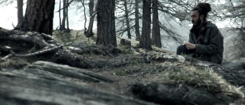 Un'immagine tratta dal film Tre lire - Primo giorno