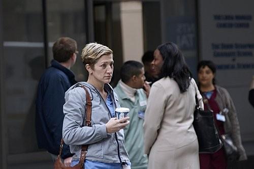 Edie Falco nell'episodio Sweet-N-All di Nurse Jackie