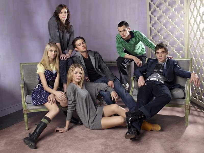 Gli attori principali del telefilm Gossip Girl in un'immagine promo