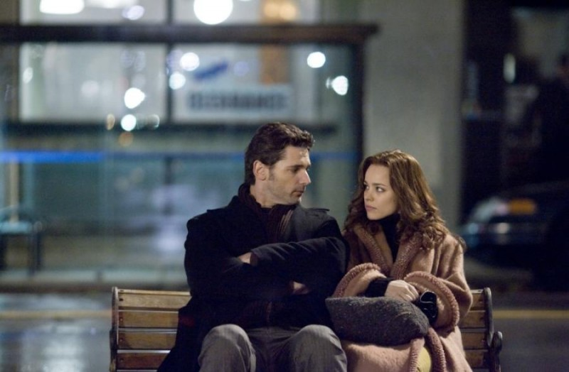 Amore su una panchina per Eric Bana e Rachel McAdams, interpreti di The Time Traveler's Wife