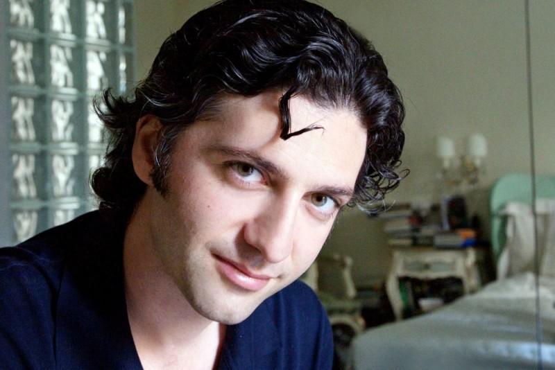Il regista Attilio Azzola