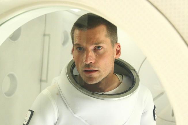 Nikolaj Coster-Waldau in una scena del film tv Virtuality