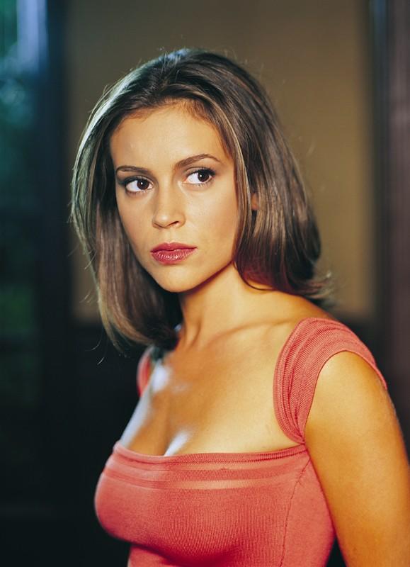 Alyssa Milano interpreta Phoebe Halliwell nella serie Streghe