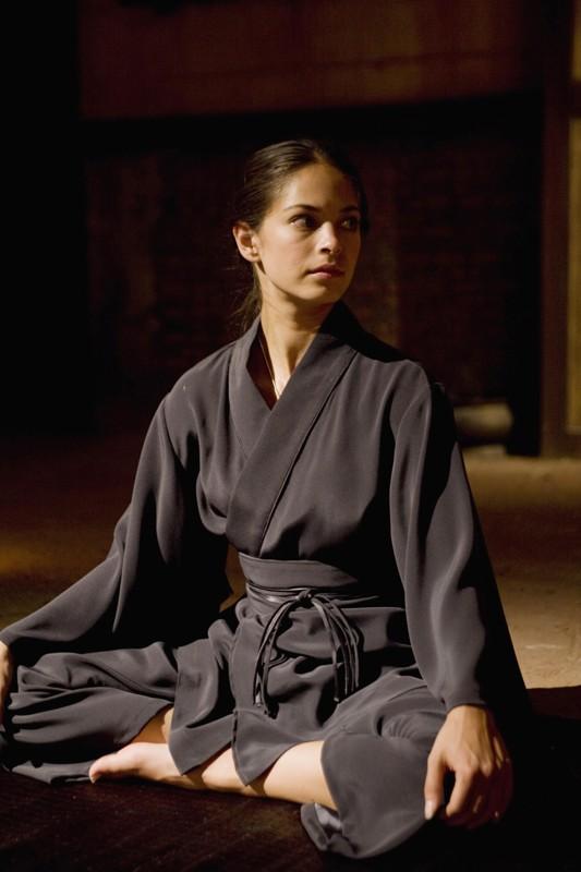 Kristin Kreuk in una scena più tranquilla nel film Street Fighter: The Legend of Chun-Li