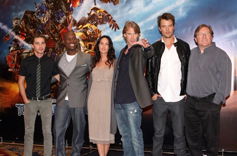 Shia LaBeouf, Tyrese Gibson, Megan Fox, Michael Bay, Josh Duhamel e Lorenzo di Bonaventura alla premiere del film 'Transformers: Revenge of the Fallen', a Mosca, nel 2009