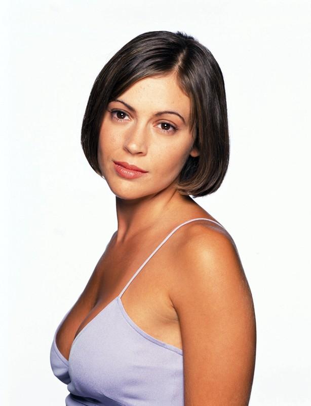 Una foto promo di Alyssa Milano per la serie Charmed