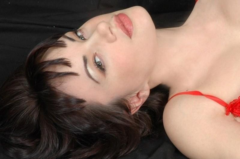 una seducente Crisula Stafida