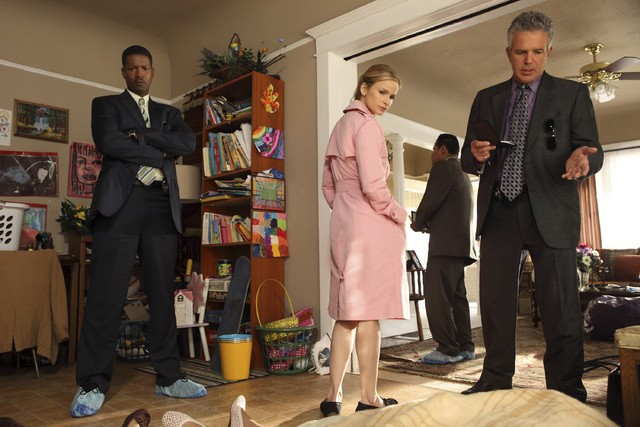 Corey Reynolds, Kyra Sedgwick e Tony Denison in una scena dell'episodio Blood Money di The Closer