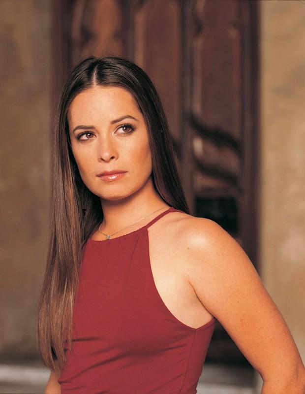 Holly Marie Combs in una foto promo per la 4 stagione del telefilm Charmed