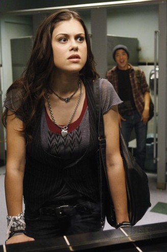 Lindsey Shaw in una scena dell'episodio I Want You to Want Me della serie 10 Things I Hate About You