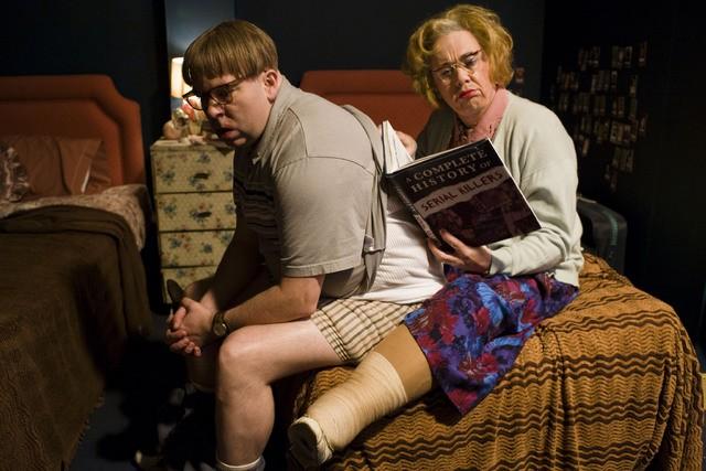 Reece Shearsmith e Steve Pemberton in una scena della serie Psychoville