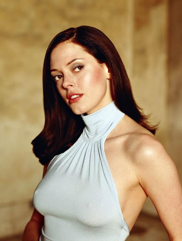 Rose McGowan è Paige Matthews nella quarta stagione della serie tv Streghe