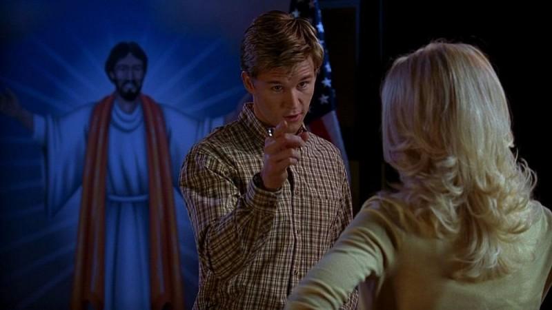 Ryan Kwanten in una scena dell'episodio 'Keep This Party Going' della seconda stagione di True Blood