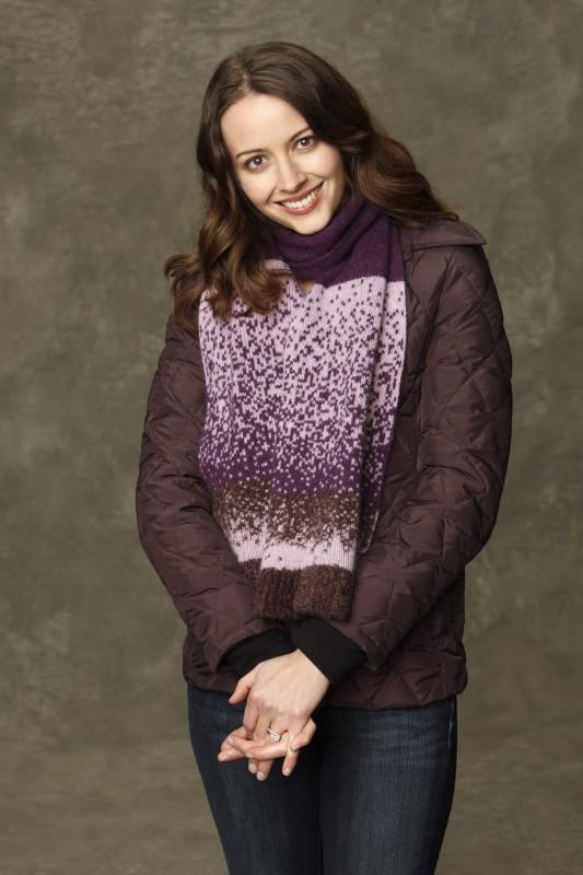 Amy Acker in una foto promozionale di Happy Town