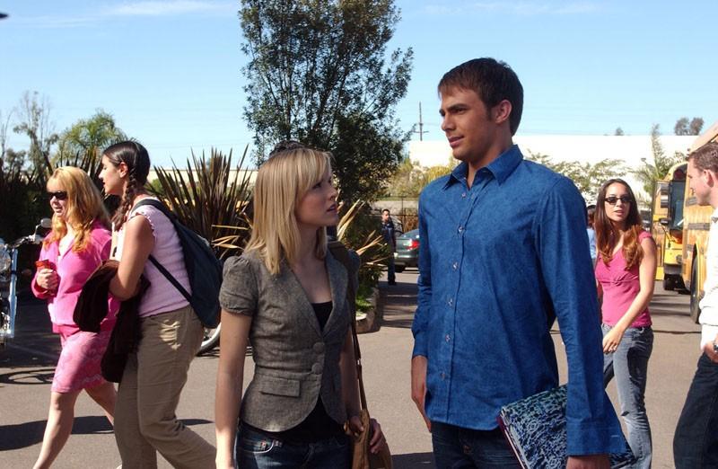 Kristen Bell e Jonathan Bennett in una scena dell'episodio 'Visita dal dentista' della serie Veronica Mars