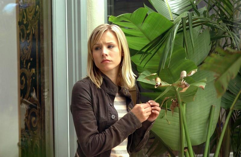 Kristen Bell in una scena dell'episodio 'Padre innamorato' della serie Veronica Mars