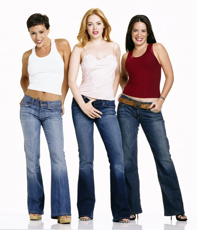Le attrici: Rose McGowan, Alyssa Milano e Holly Marie Combs per la season 6 di Charmed
