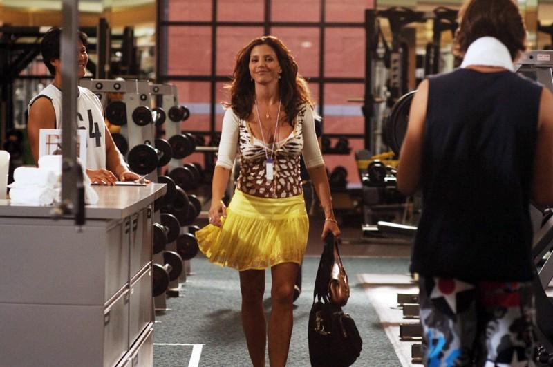 La bella Kendall (Charisma Carpenter) in palestra nell'episodio 'Tradimenti' di Veronica Mars