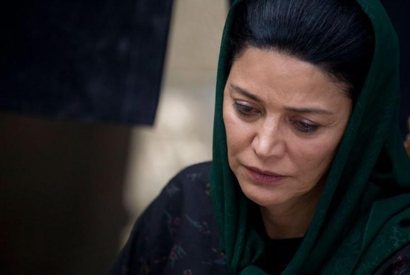 Shohreh Aghdashloo in una scena del film The Stoning of Soraya M