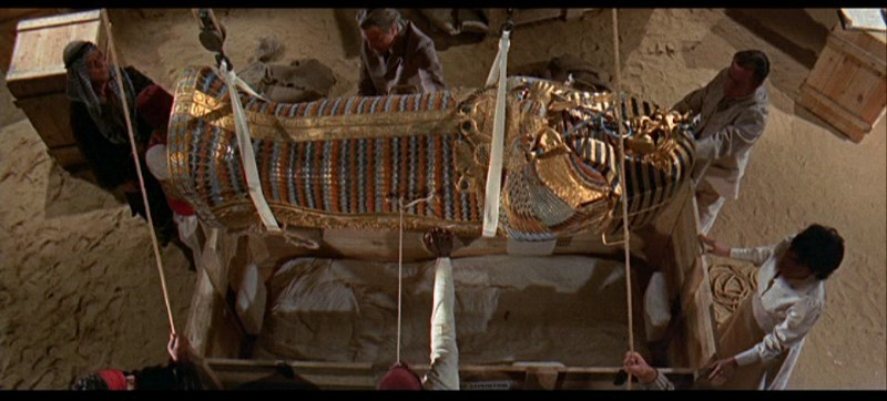 Una scena del film Il mistero della mummia