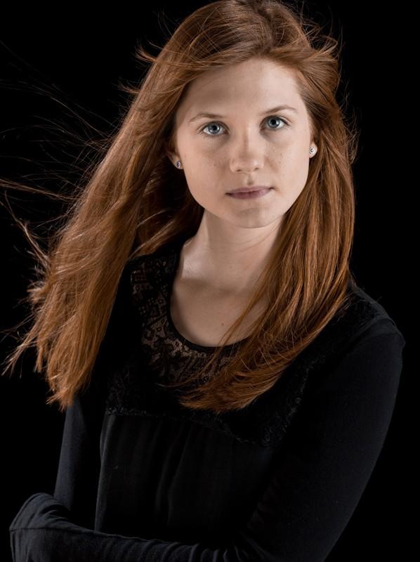 Bonnie Wright è Ginny Weasley in una foto promo per il film 'Harry Potter e il principe mezzosangue'