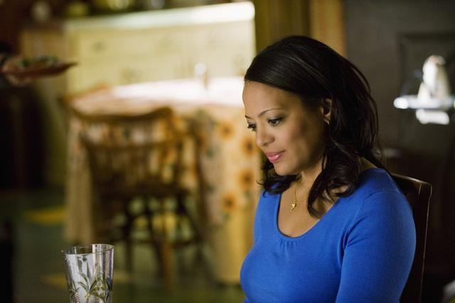 Lauren Velez in una scena dell'episodio In the Stars di Ugly Betty