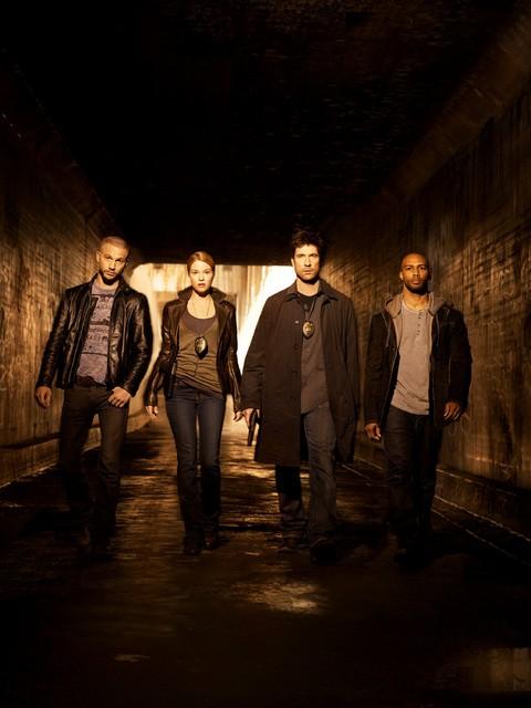 Il cast di Dark Blue in una immagine promozionale della serie